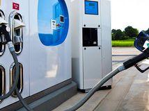 Toyota Mirai - vodíková čerpacia stanica