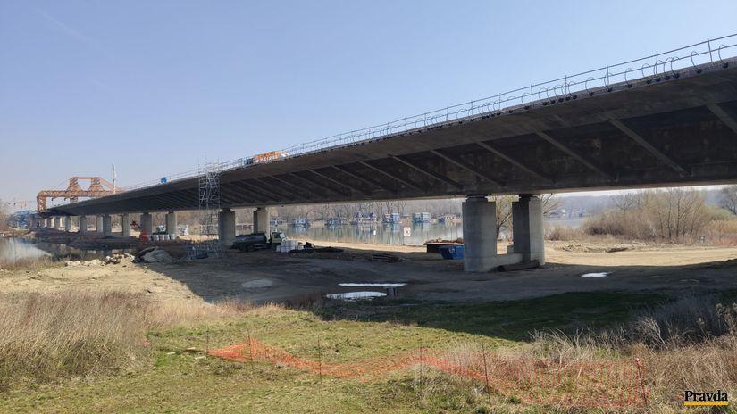 dialnica D4, most Dunaj