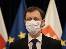 Sme bližšie k životu pred pandémiou, no nad vírusom sme ešte nevyhrali, uviedol v príhovore premiér