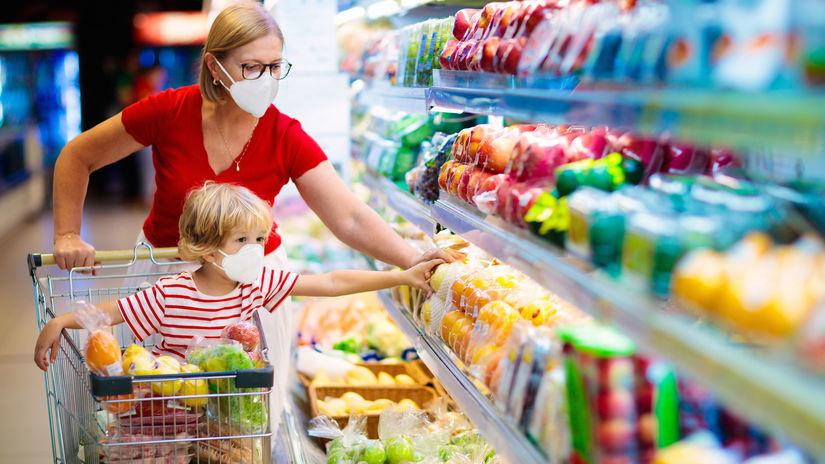 Koronavírus zdvihol ceny, zdraželi potraviny aj drogéria