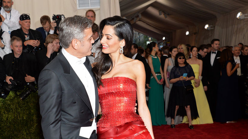 Rok 2015: Herec George Clooney a jeho manželka...
