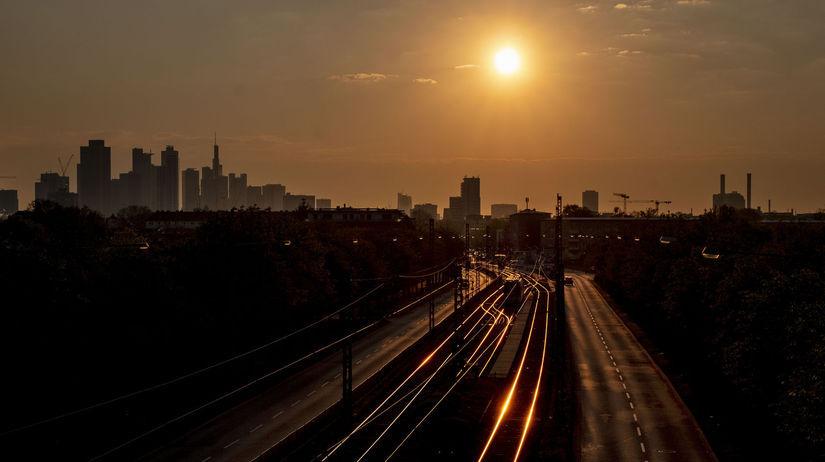 Frankfurt / Koľajnice / železnica / Východ...