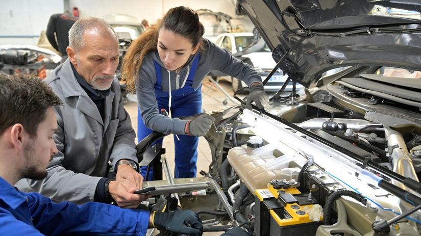 automechanik, žiak, vysvetľovanie, duálne...
