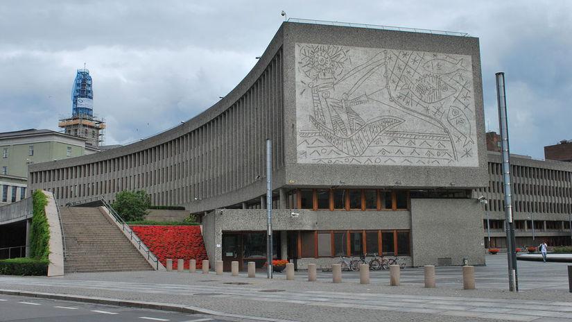 Picassova nástenná rytina na vládnej budove v...