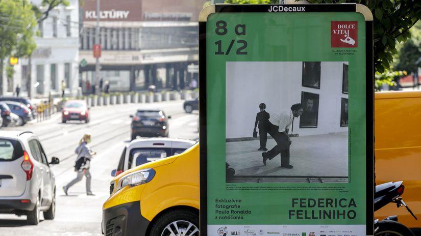 SR Bratislava Fellini Dolce Vitaj fotografie BAX