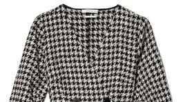 Zavinovacie šaty s dlhým rukávom Reserved, predávajú sa za 49,99 eura.