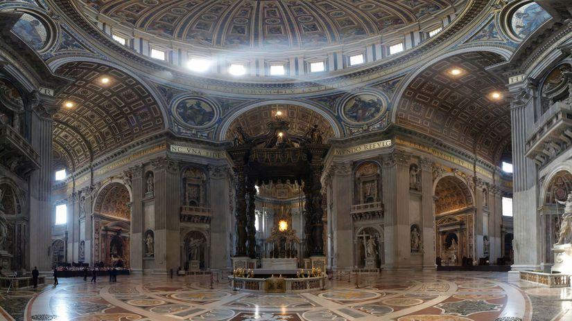 Oltár v Bazilike sv. Petra vo Vatikáne