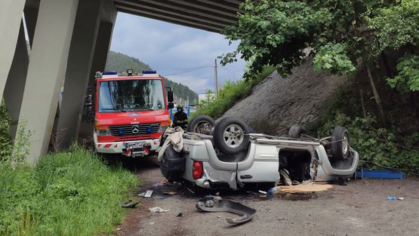 Likavka / Nehoda / Most / Auto /