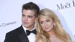 Paris Hilton a jej bývalý partner River Viiperi na zábere z mája 2013.