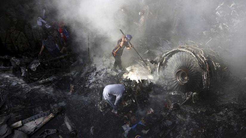 pakistan lietadlo havária trosky karáči