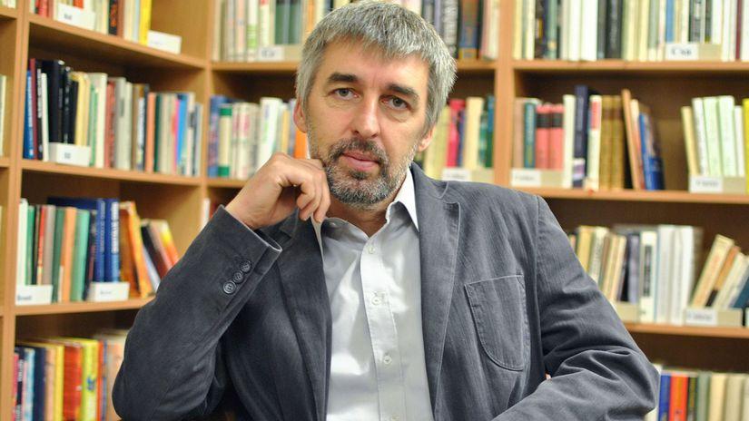 historik Attila Simon