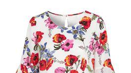 Šaty s florálnym motívom. Predáva Cellbes.sk za 54,95 eura.