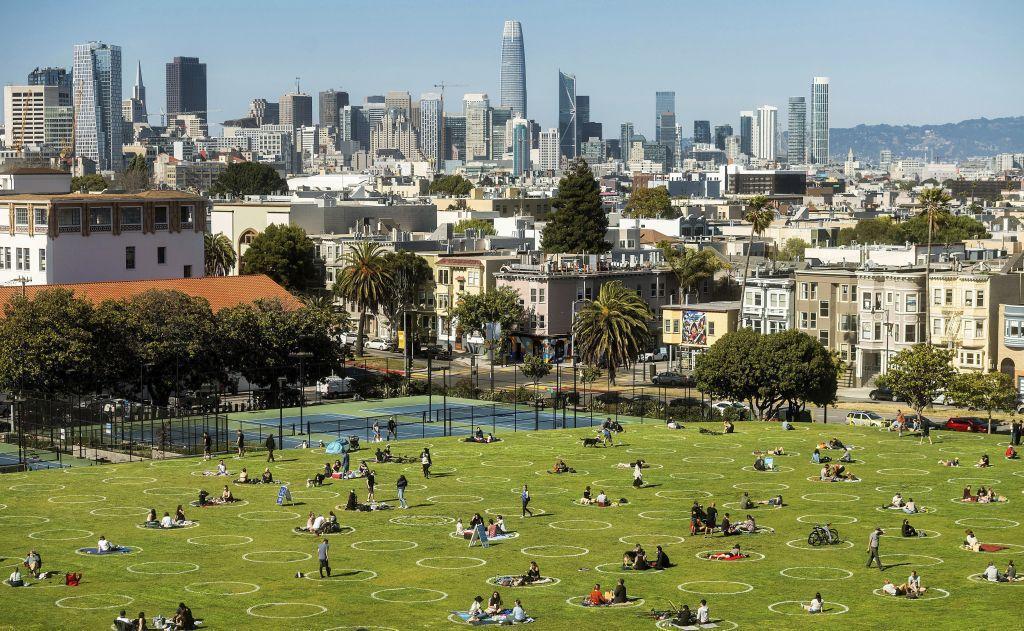 Kalifornia, San Francisco, park, odstup, koronavírus