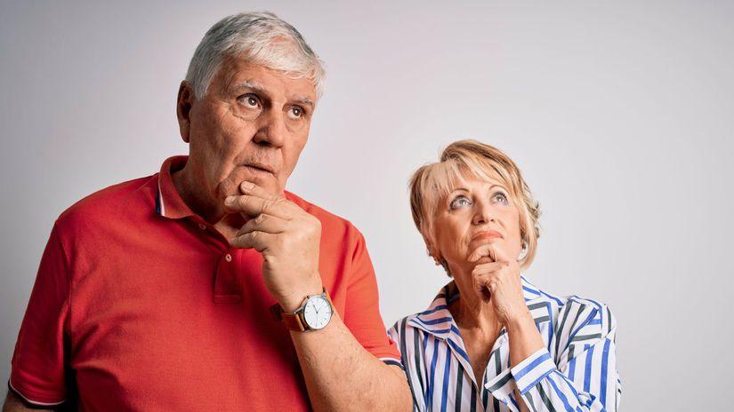 manželia, penzisti, seniori, rozmýšľanie