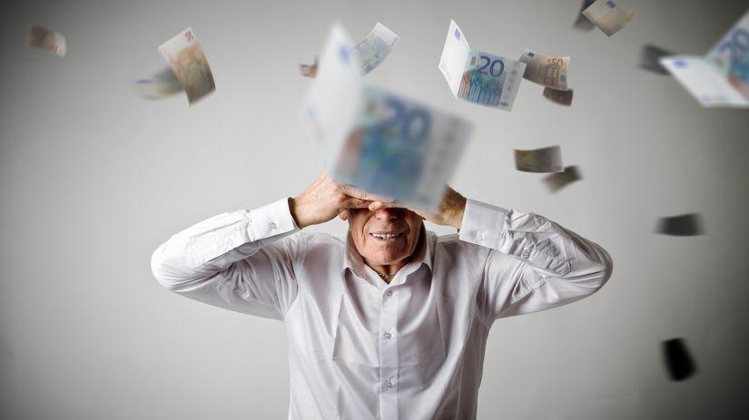 penzista, lietajúce peniaze, euro, bankovky