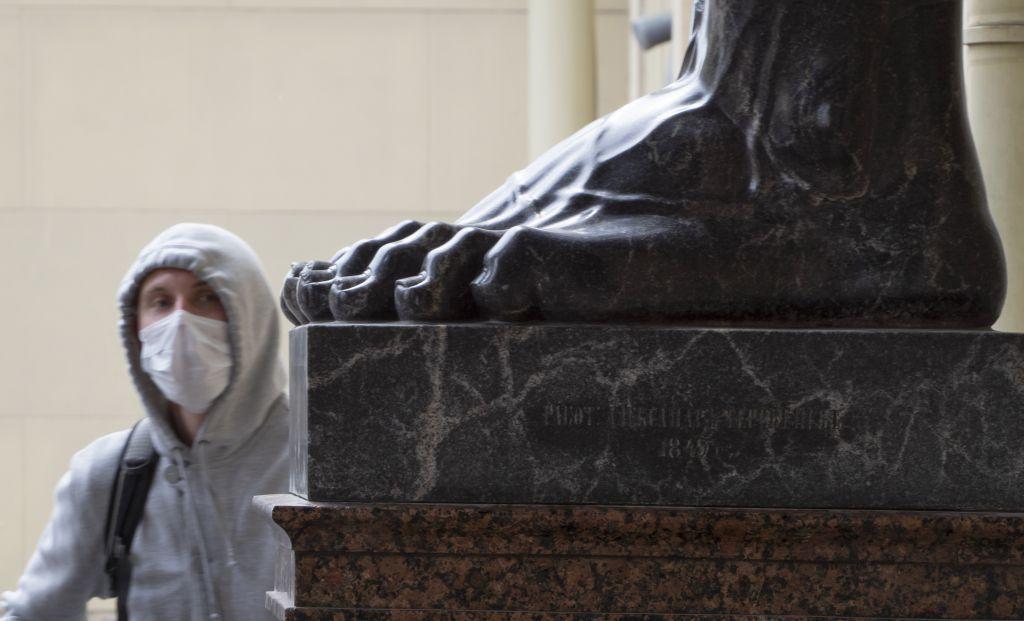 Rusko, Petrohrad, vírus, socha, rúsko, koronavírus, Covid-19