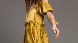 Dámske šaty Twinset, predávajú sa za v zľave za 489 eur.
