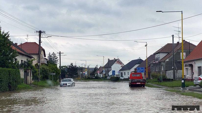 voda povodeň cesta záplava záhorie