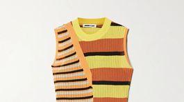 Pletené šaty McQ by Alexander McQueen, predávajú sa v zľave za 165 eur na Net-a-porter.com.