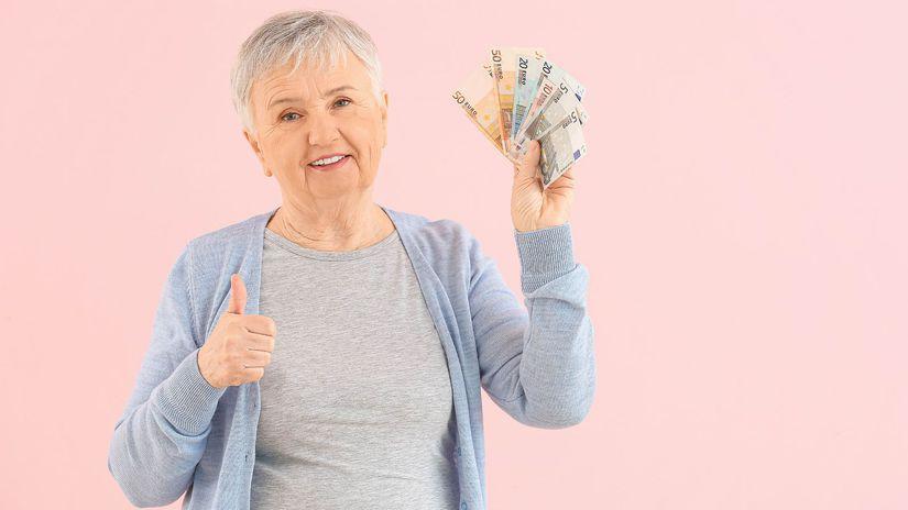 dôchodkyňa, palec hore, radosť, peniaze,...