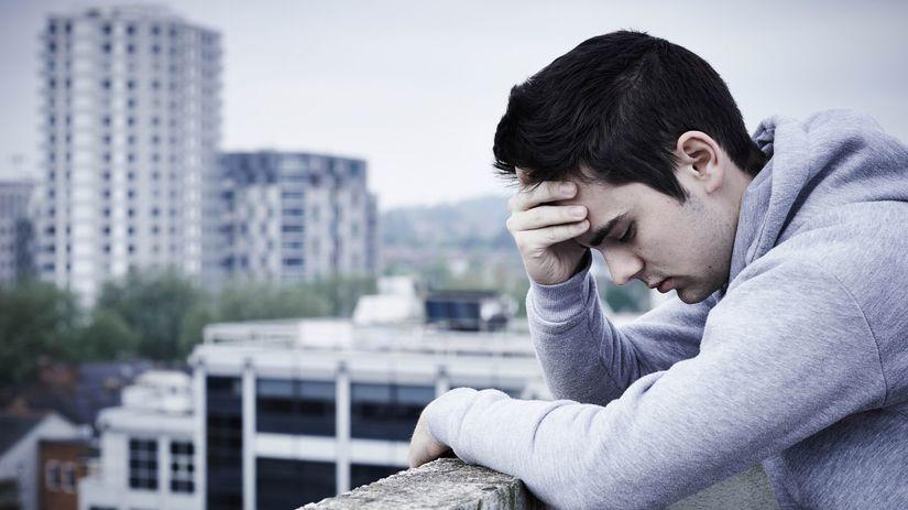 muž, depresia, smútok, trápenie, samota, osamelosť