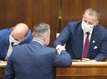 Kollár zostáva predsedom parlamentu