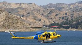Helikoptéra pátra po bývalej hviezde seriálu Glee