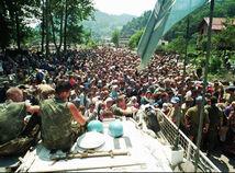 Prežil Srebrenicu, aby rozprával. Aj za mŕtve dvojča