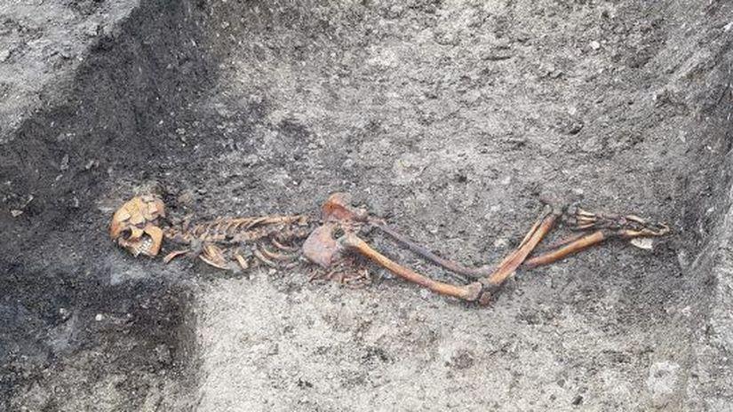 Iron-Age-Skeleton-e1594390140959-720x302