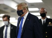 ONLINE: Trump sa prvýkrát objavil na verejnosti s rúškom