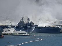 loď, USS, požiar, USA, San Diego