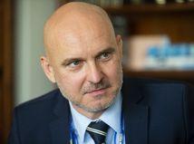 Minister školstva Gröhling mal pochybne získať vysokoškolský titul