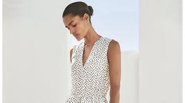 Dámske bodkované šaty Next, predávajú sa za 56 eur.