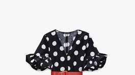 Dámske bodkované šaty Zara, predávajú sa za 39,95 eura.