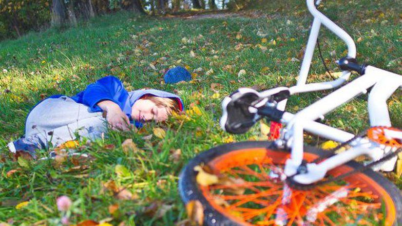 bicykel, dieťa, pád, úraz, zranenie