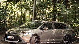 Toyota Corolla Trek 2,0 Hybrid - test 2020