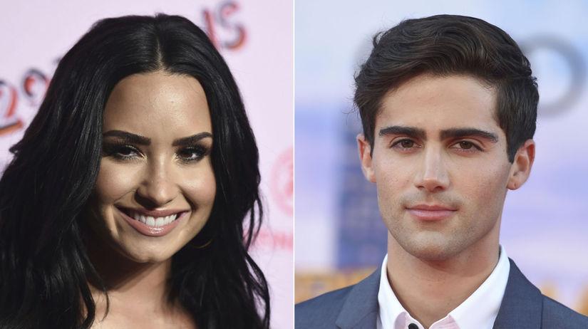 Speváčka Demi Lovato a herec a spevák Max...