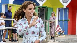 Britain Vojvodkyňa Kate v šatách z dielne Emilie Wicksteadovej.