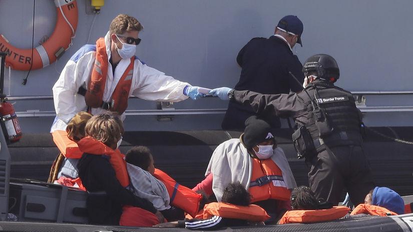 Británia, migranti