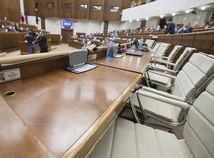 Kollár pozháňa poslancov, koalícia chce rýchlo prelomiť Čaputovej veto