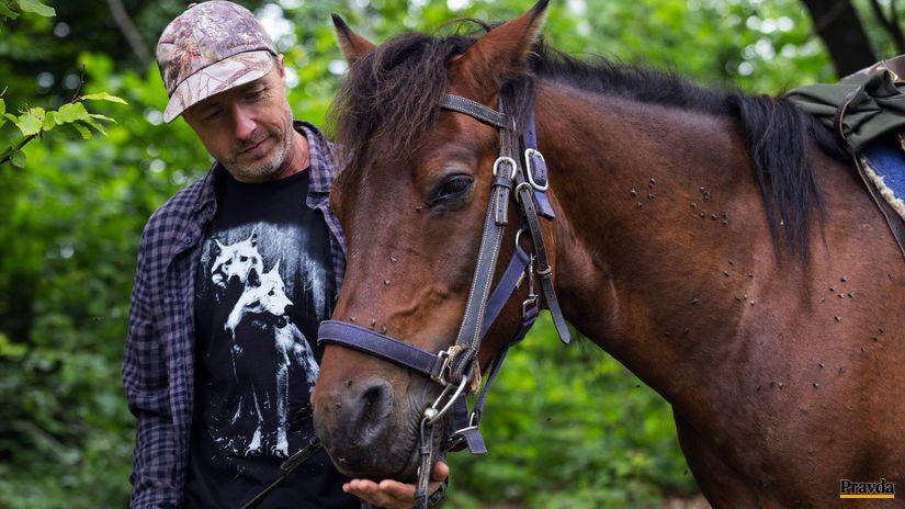 Kamil Soóš, kôň, kŕmenie