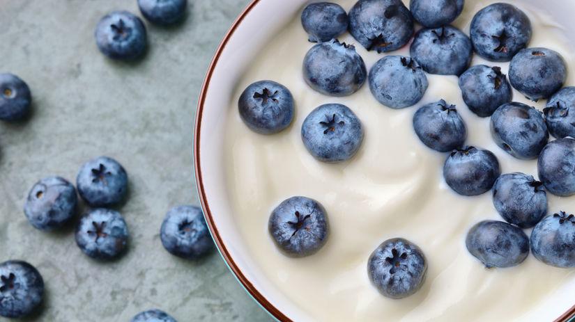 čučoriedky, jogurt, dezert