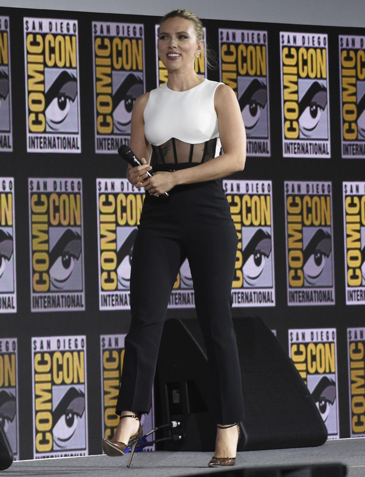 Herečka Scarlett Johansson na akcii Comic-Con...