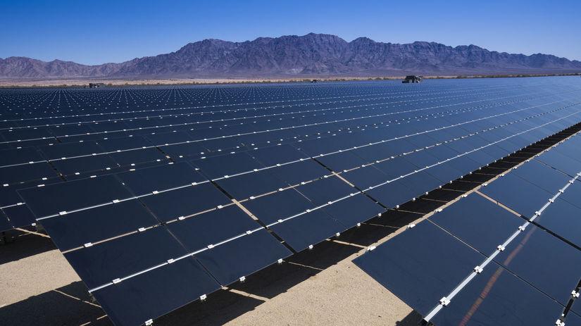 USA, Kalifornia, púšť, solárna elektráreň