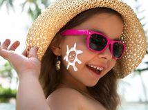 dieťa, klobúk, slnečné okuliare, opaľovací krém, ochrana, prevencia