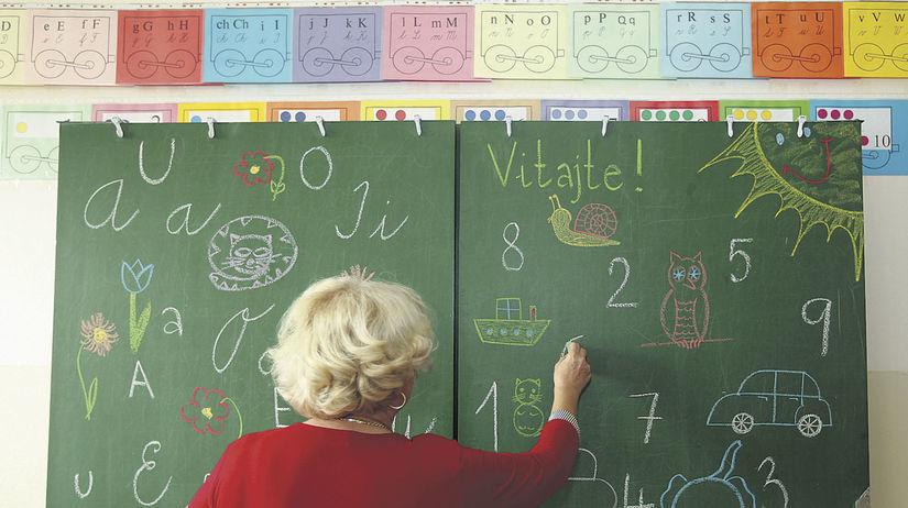 učitelia, školstvo, učiteľka, tabuľa, škola