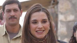 Jordánska kráľovná Rania na zábere z roku 2004.