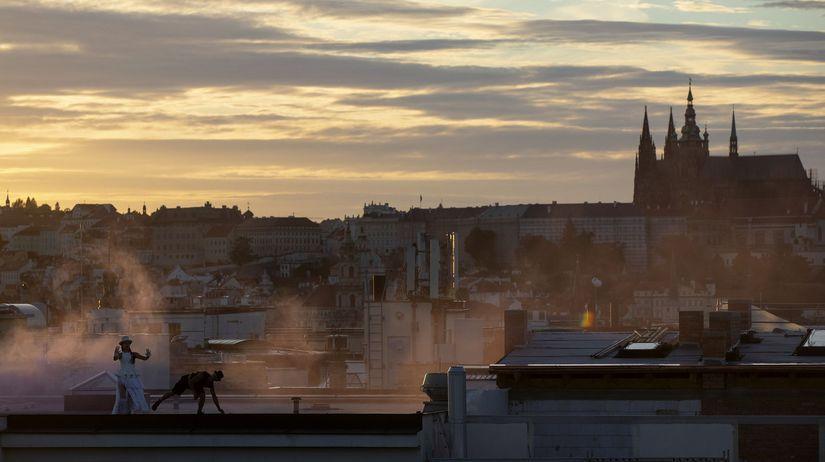 časko praha strecha akrobati
