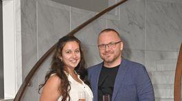 Športový komentátor Pavol Gašpar s priateľkou.