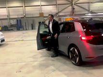 Elon Musk - testovacia jazdy s VW ID.3 - Nemecko 2020